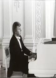 至臻德奥——德国钢琴大师贝斯勒独奏音乐会